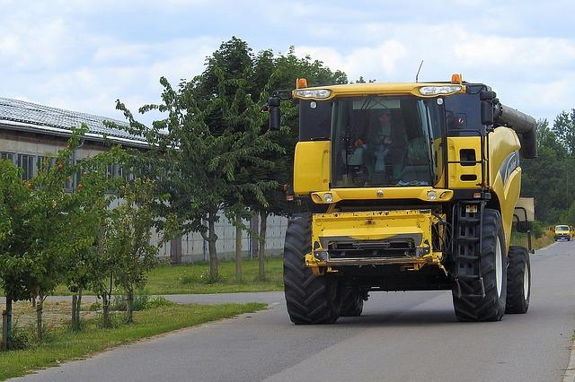 Zemědělský svaz: Stát ztížil přejezdy strojů po silnicích I.třídy