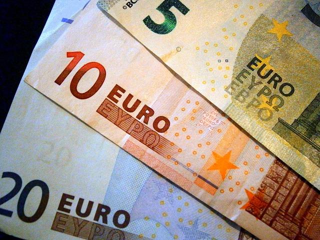 EK schválila Česku pomoc zemědělcům při splácení půjček